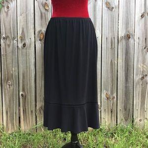Claudia Richard, Stretchy, Black Midi Skirt ❣️